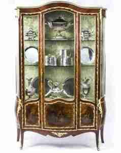 vetrinetta antica basse